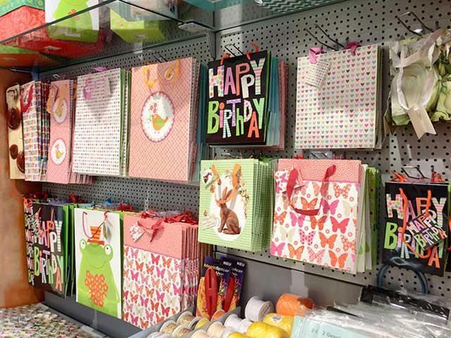 Geschenkverpackungen - Geschenktüten in vielen Varianten